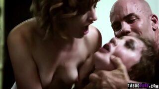 maduras tragando semen se masturba y hacen el amor muy rico mientras gritan por el orgasmo